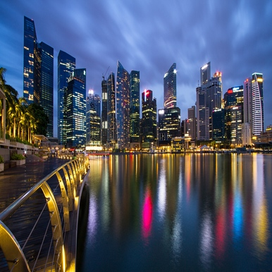 malaysia_singapore_city-state_metropolis_skyscrapers_night_lights_light_blue_sky_bridge_embankment_spilling_58644_3840x2400_386x386