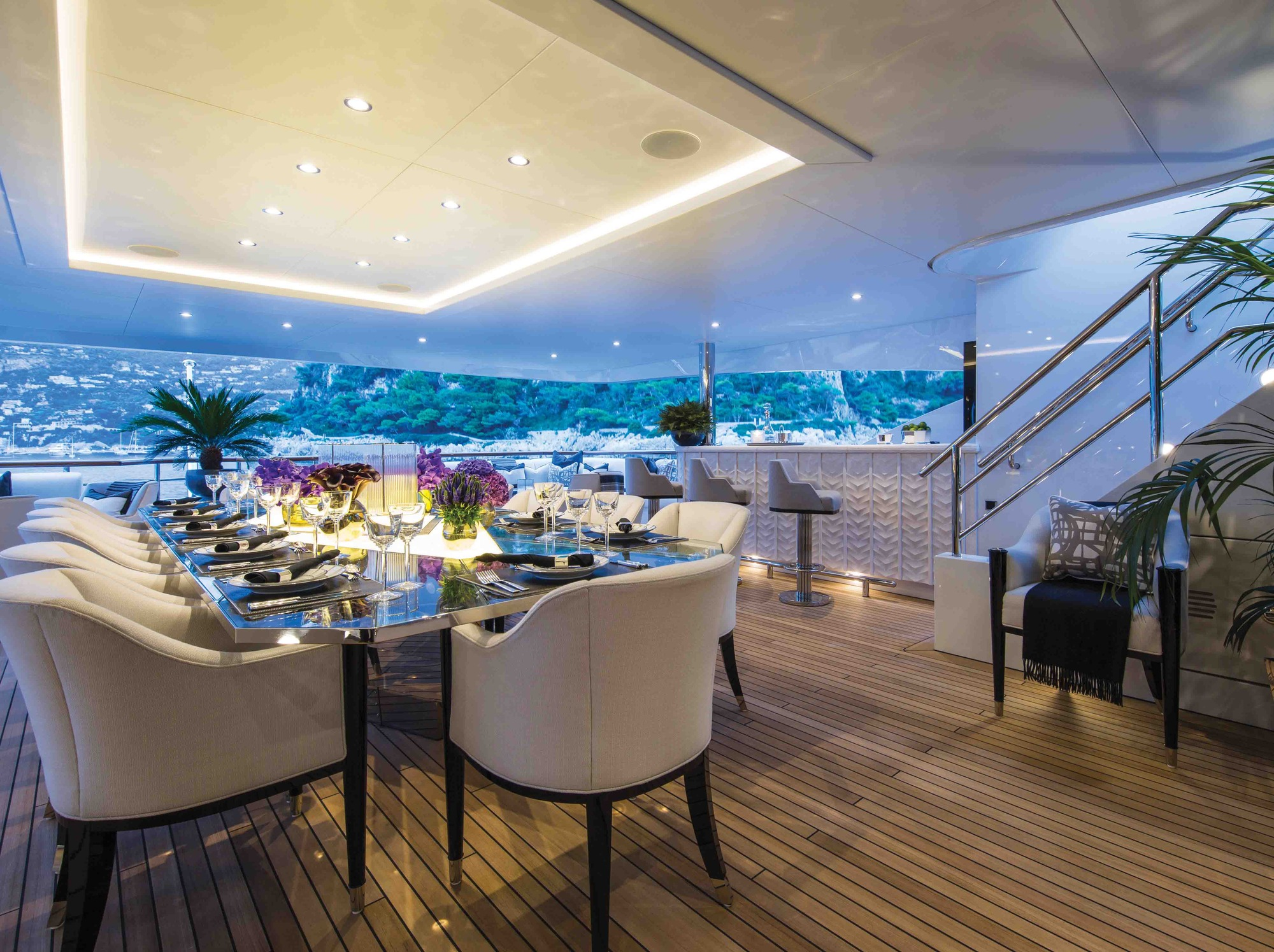 Bridge Deck Dining Aft